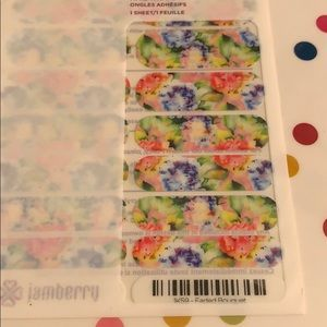 Jamberry wrap- Faded Bouquet